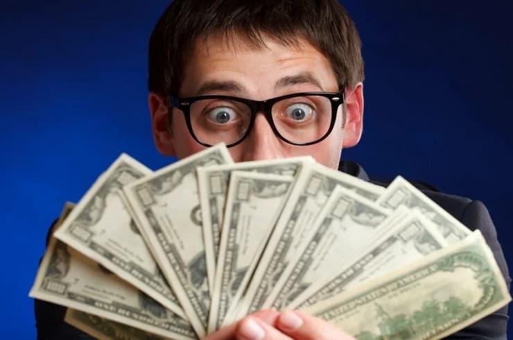 Сколько может заработать денег студент через интернет